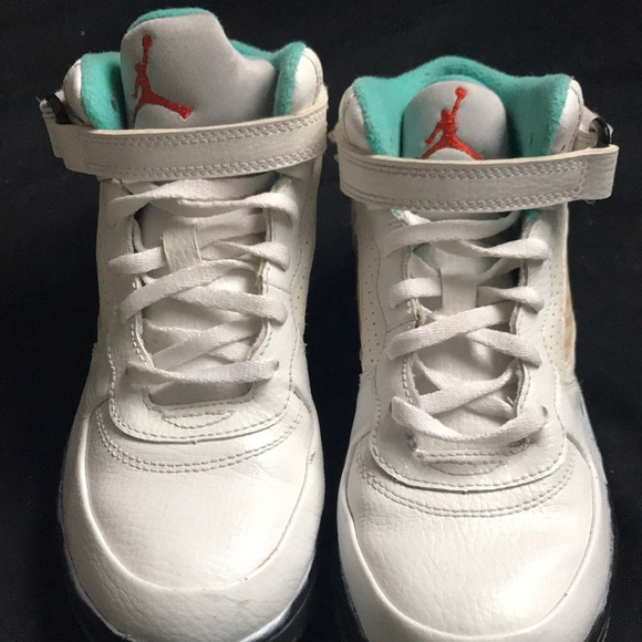 6b35bacb5180 Jordan Other - Classic Little Boy Jordans